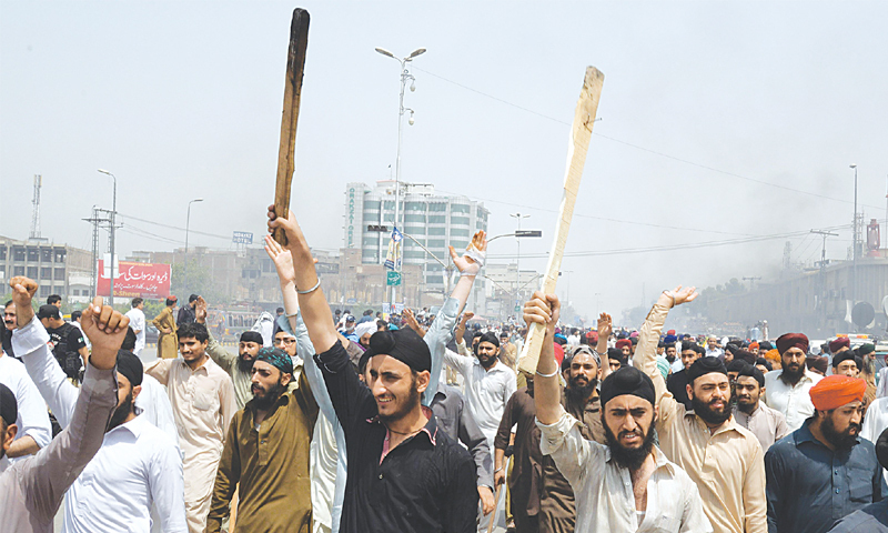 "Sikh protest in Pakistan against supposed ""blasphemy"" in India"